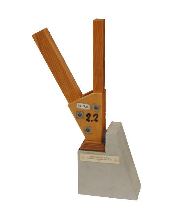 8. Dreigelenkrahmen-Auflager Kantholz Fachwerkbinder (1966)